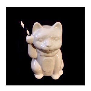 Lucky Maneki-Neko Ceramic Cat Tiki Mug in White